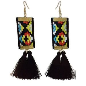 Jewelry - BLACK DANGLE EARRINGS